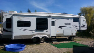 2007 Winterized Montana Mountaineer 5th Wheel