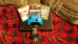 Selling my xbox one 250 obo