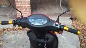 3 Wheel Scooter 350T Emmo 2016 Red  MUST SELL. Peterborough Peterborough Area image 6