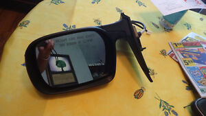 Red Driver's side mirror for 2001 & up GM Cars 19184610 Oakville / Halton Region Toronto (GTA) image 2