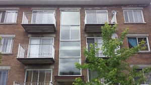 $640 Appartement de 2 chambre fermé à louer. Quartier St-Michel