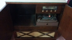 Antique Radios**ONLY 2 LEFT**