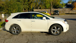 2011 Toyota Venza V6 AWD **Low kms** FOR SALE $17,995