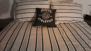 Roots queen size bedding