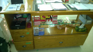 Commercial style Counter/Display cabinet-oak and glass Kitchener / Waterloo Kitchener Area image 2