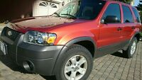 One Owner! Original Paint! 2006 Ford Escape 4x4 V6!