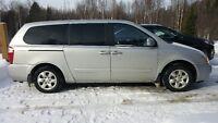 2007 Kia Sedona LX Minivan, Van