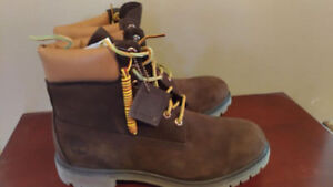 Men's New Brown Timerland Boots NWT size 10.5