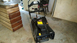 Craftsman 21 inch 208 cc snowthrower Need gone asap 450 obo