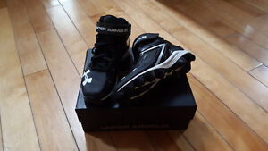 Football shoes size 2Y Under Armor