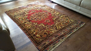 Handmade quality rug, brand new with beautiful colours.