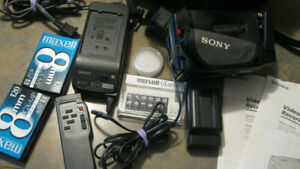 Sony Handycam CCD-TR66 8mm Video8 Camcorder