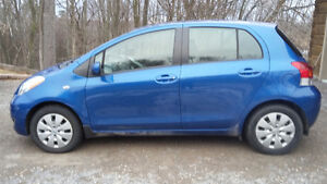 2011 Toyota Yaris blue Hatchback