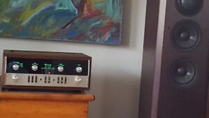 McIntosh MA 5100 Integrated Amplifier - Classic Sound and Beauty