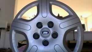 Cape de roue pour la marque Ford,  5 noix