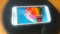 appareil photo et autre côté cellulaire Samsung Galaxy 4S zoom