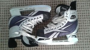 Reebok hockey skates size 8.5 in great condition