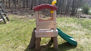 Step 2 Climber and Slide plus FREE picnic table