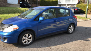 2009 Nissan Versa Bicorps bonne condition/ Good condition