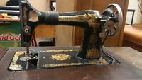 1911 Singer Sewing machine & cabinet