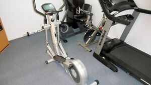 Elliptical exercise machine Gatineau Ottawa / Gatineau Area image 1