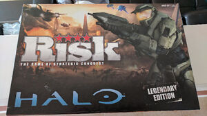 RISK HALO LEGENDARY EDITION BOARD GAME - GREAT CONDITION