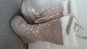 New! Women's size 8 Boots