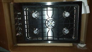 "Brand New 36"" Natural gas stovetop grill"