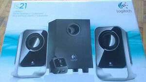 Is21 Logitech Stereo speakers+Subwoofer