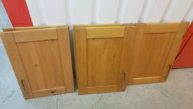 Howdens Solid Oak Tewkesbury 50cm Shaker Kitchen Door (Discontinued)