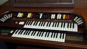 Free Wirlitzer Organ Kawartha Lakes Peterborough Area image 2