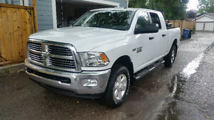 2015 Ram 2500 Mega Cab 6.4L V8, 4X4, lots of options