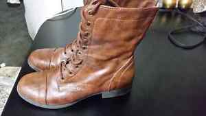 Ladies fall boots size 9 Cornwall Ontario image 2