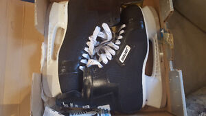 Men's Bauer Supreme Custom 2000 Skates,Tuuk.