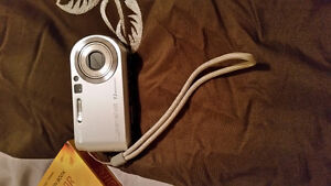 Sony cybershot camera Kingston Kingston Area image 1