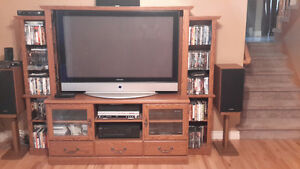 LARGE SCREEN TV ENTERTAINMENT CENTRE