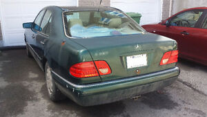 1996 Mercedes E300 Diesel Pieces ou Route/Needs Work