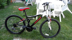 Youth Nakamura 18-Speed Mountain Bike