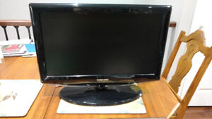 """Samsung 23"""" TV in excellent condition, $70"""