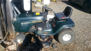 Craftsmen lawn tractor for parts or repair