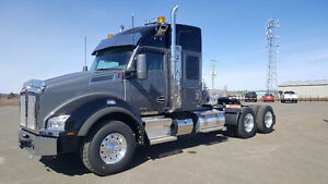 "New 2017 Kenworth T880  52"" Sleeper PRICED TO CLEAR"