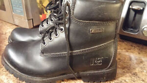 All black Rugged Outback boots! men/or women