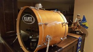 """Mapex Pro M Natural Gloss Lacquer 22x18"""" Maple Bass Drum"""