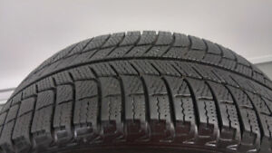 4 pneus d'hiver 205/60/R16 MICHELIN presque neuf