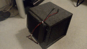 "10"" inch single subwoofer box with Alpine power amplifier"