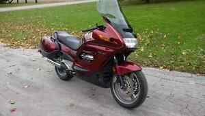 Great Christmas present for your better half 99 Honda ST1100