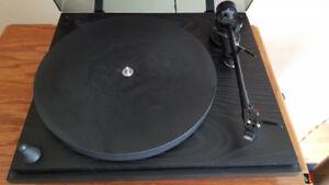 Vintage Revolver turntable with Linn Basik LVX tonearm