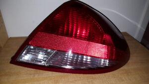 FORD TAURUS TAIL LIGHT DRIVER SIDE (SEDAN) 2004-2007