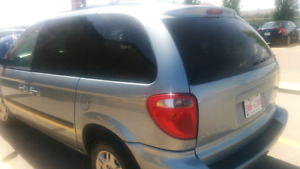 2006 dodge caravan mini van