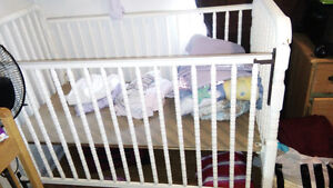 Crib for sale-i'm moving out